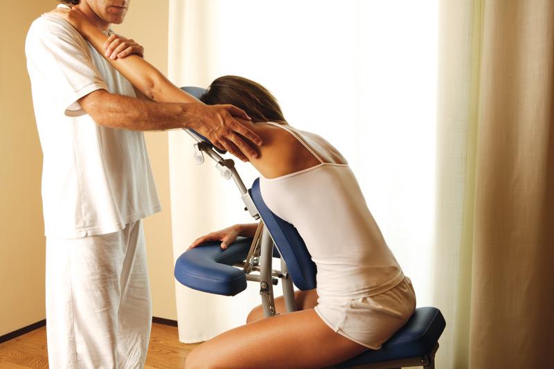 La elongación asistida (pasiva o activa) es de gran ayuda para aumentar nuestros niveles de flexibilidad.